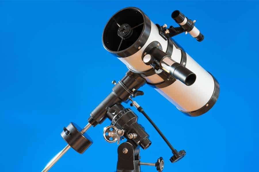 reflector-telescope-use